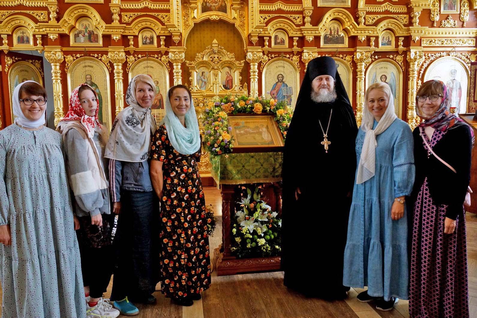 В Веркольском монастыре прошел праздник святого отрока Артемия Фоторепортаж. Часть третья. Крестный ход.